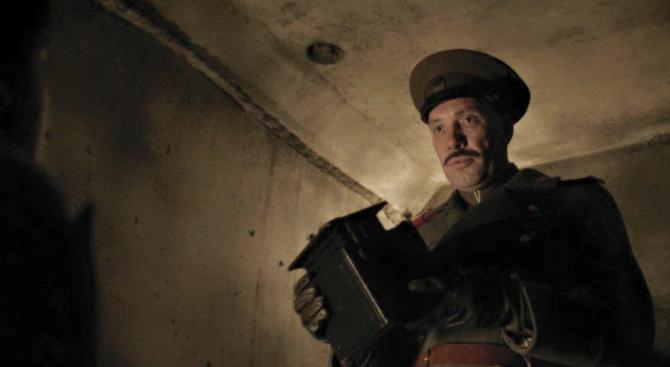 Захари Бахаров изгря в сериал за Айнщайн