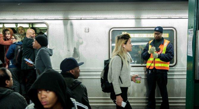 Инцидентът в метрото на Ню Йорк, повече от 30 души са ранени (видео)