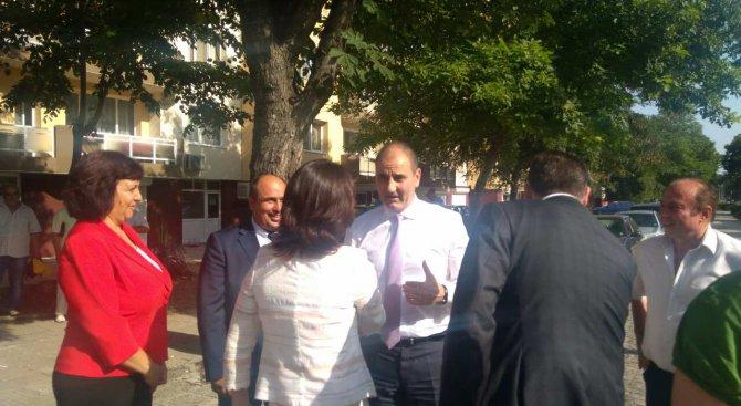 Кмет от БСП към Цветанов: Благодаря на ГЕРБ за санирането