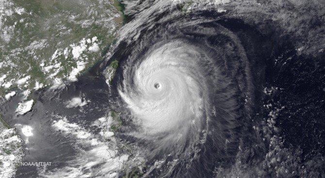 Наводнения в Япония, един човек е загинал