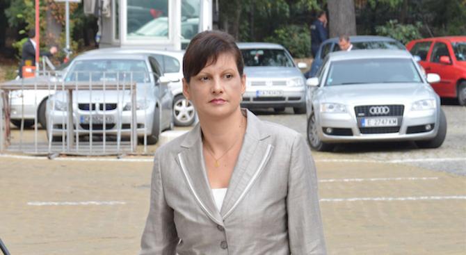 Даниела Дариткова: България е сред страните, които са отбелязали най-голямо намаление на държавния д