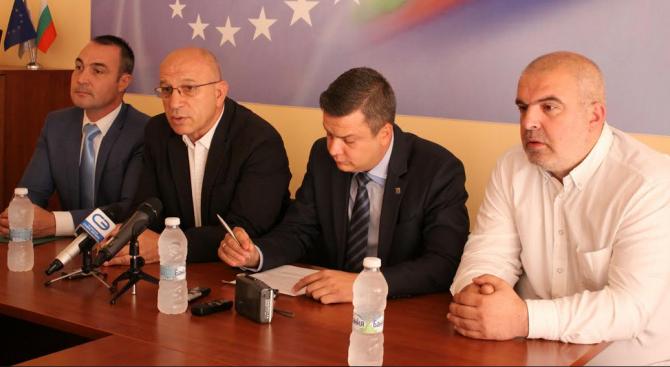 Старозагорските депутати от ГЕРБ: Нека спрат спекулациите - България е много далеч от финансов апока