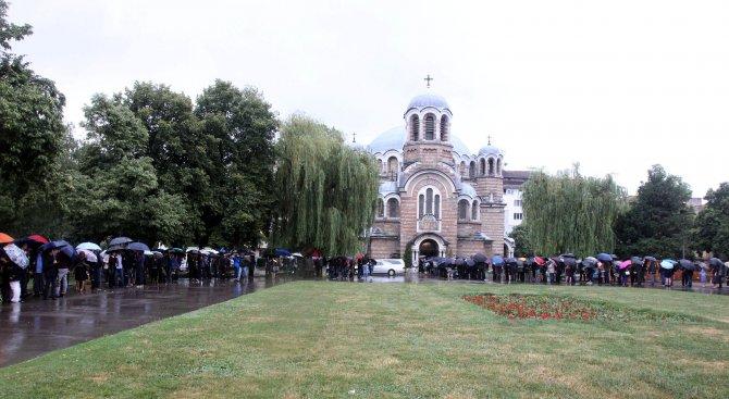 Стотици се простиха с доцент Кристиан Таков (галерия)