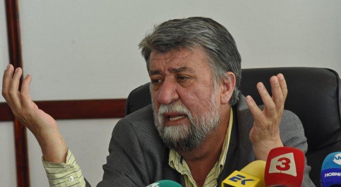 Вежди Рашидов: Боршош се опита да внуши, че с две зали в НДК българския театър цъфти (видео)