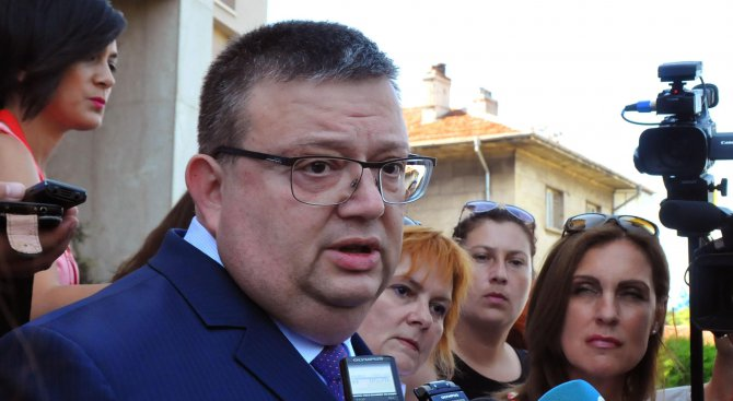 Цацаров: Боршош е лице, получило призовка за явяване, с цел повдигане на обвинение за престъпление (