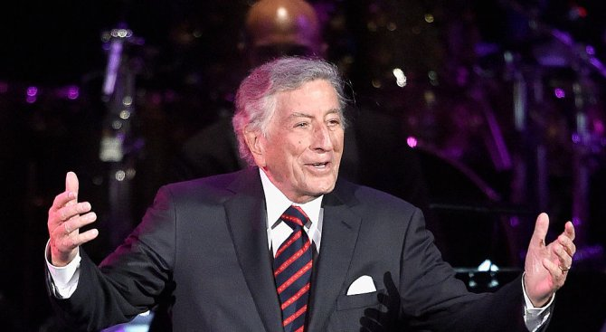 Легендарният певец Тони Бенет отбелязва 91-ия си рожден ден