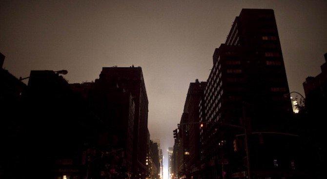 Стотици останаха без електричество след земетресение в САЩ