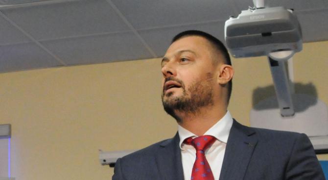 Бареков пусна сигнал до Цацаров срещу Анна Цолова и Антон Хекимян