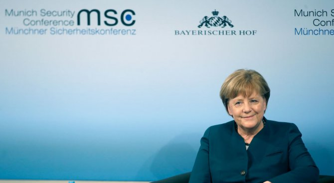 Първите срещи на Ангела Меркел след летния отпуск са с предизборна насоченост