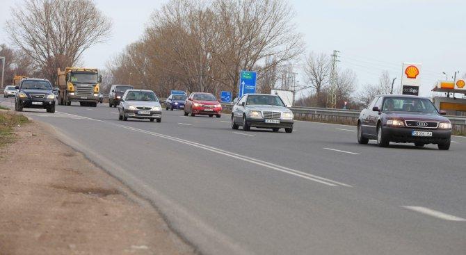 "Ограничено е движението при 392 км на магистрала ""Хемус"""