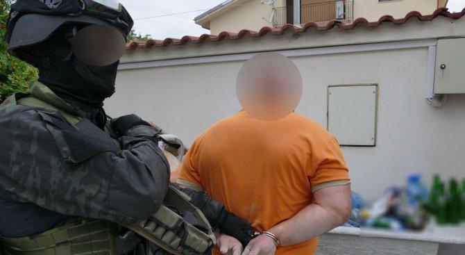 Антимафиоти разбиха банда, пласирала фалшиви евро в ЕС (видео+снимки)