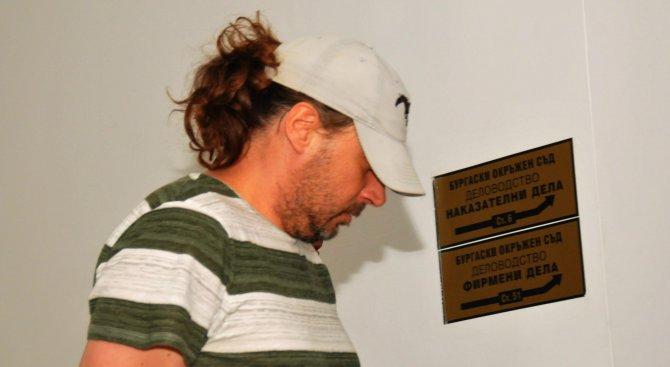 Пуснаха арестуваните в Несебър инспектори на БАБХ срещу 6000 лв. (галерия)