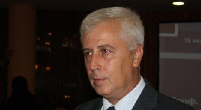 Здравният министър получи бъбречна криза, приеха го спешно във ВМА (обновена)