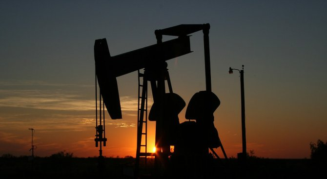 Венецуела вече ще обявява цената на петрола си в юани, а не в долари