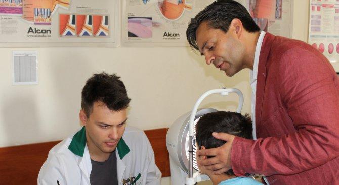 Спасиха зрението на дете чрез имплантиран изкуствен ирис (снимки)