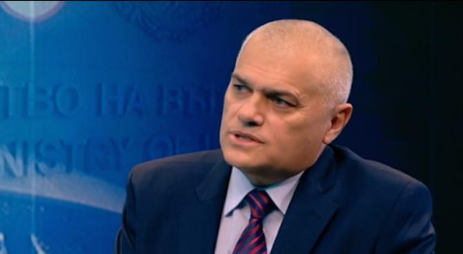 Валентин Радев: Работим много мотивирано и ще разкрием похитителите на Адриан