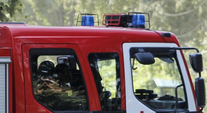 Деца предизвикаха пожар в село Шопци
