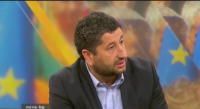 Христо Иванов: Министърът на икономиката действа като слон в стъкларски магазин