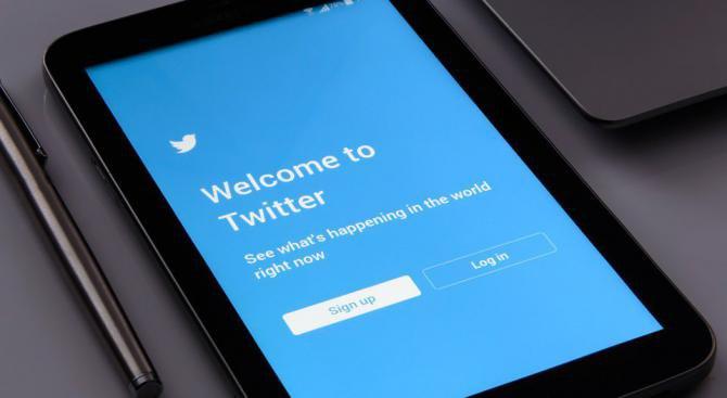 Туитър съобщи за рекламни постове, финансирани от Русия