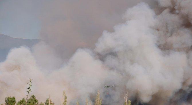 Запали се старото сметище в Перник