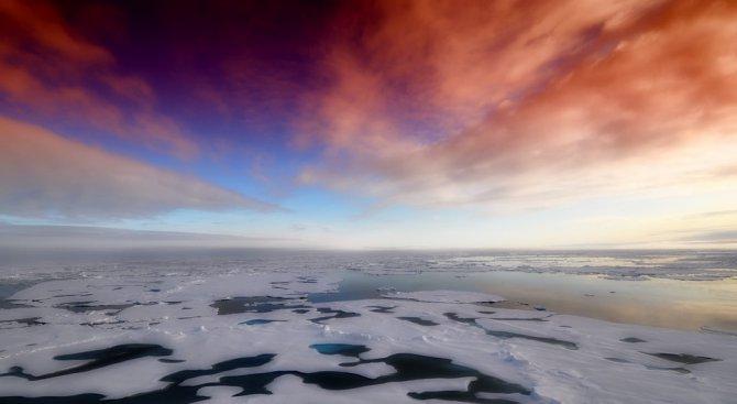Учени откриха гигантска загадъчна дупка на Антарктида
