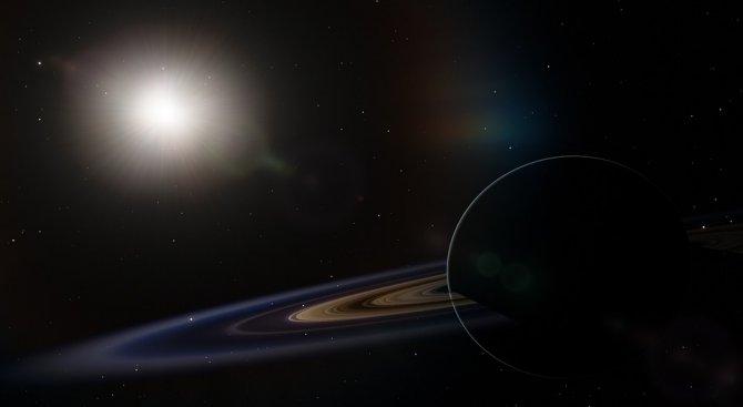 7 луни придържат на място пръстените на Сатурн