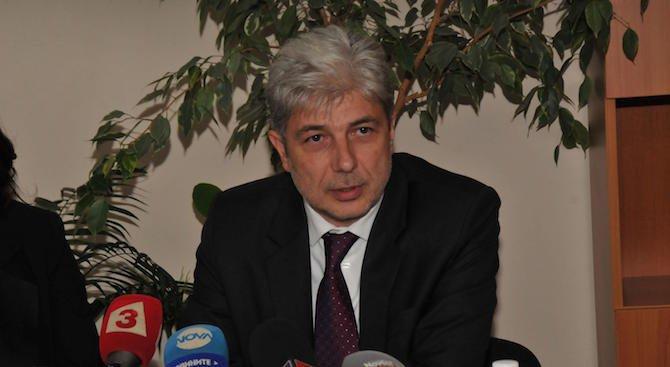 Министър Димов се срещна с кмета на Каварна по казуса Калиакра