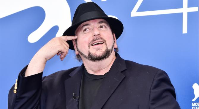 Още 200 жени обвиниха режисьора Джеймс Тобак в сексуален тормоз