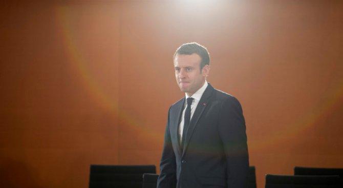 Еманюел Макрон обяви край на извънредното положение във Франция