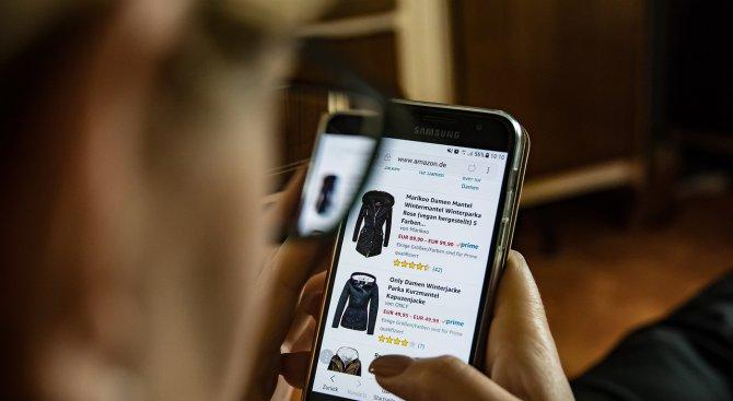 Как да пазаруваме онлайн, без да ни измамят? Съветва председателят на КЗП