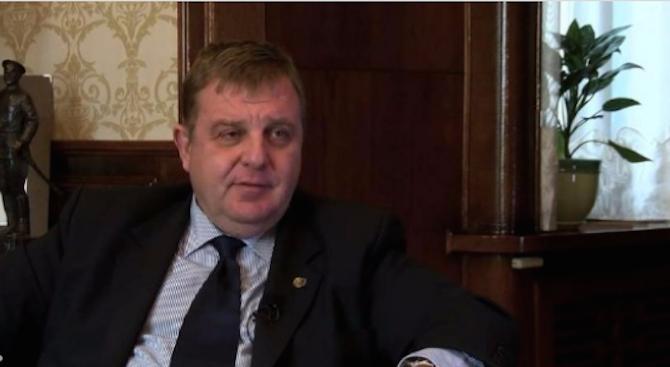Красимир Каракачанов: Българска фирма бави частите за новите двигатели на МиГ-29 (видео)