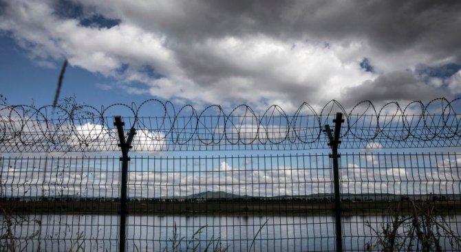 Латвия ще строи ограда на границата си Беларус