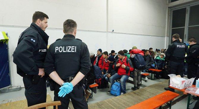 Нови разпоредби за мигрантите, поискали статут на бежанци в Австрия
