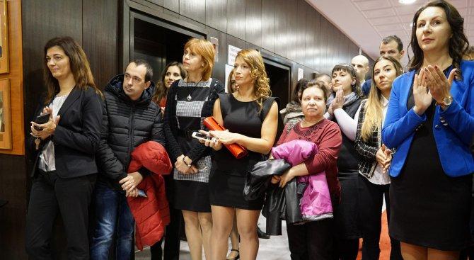 Варна награди изявени учители по повод Деня на народните будители (снимки)