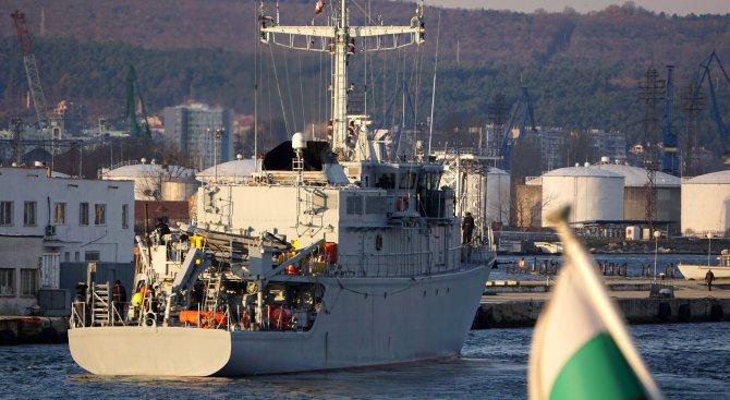 """Бойният кораб """"Цибър"""" се завърна от успешно учение на НАТО (снимки)"""