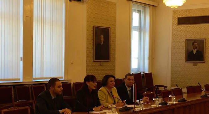 Депутатът Даниела Савеклиева се срещна с представители на Китайския народен консултативен съвет (сни