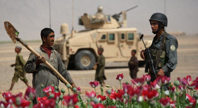 САЩ са унищожили 25 лаборатории за хероин в Афганистан