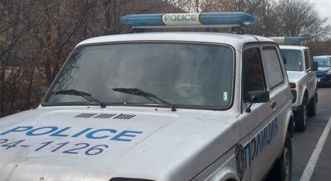 Шампион по бокс и негов съученик ограбили и опитали да убият таксиджията в Ямболско