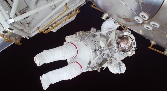 На какво мирише космосът?
