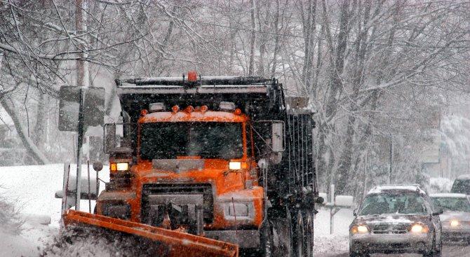 Първият сняг в Гърция предизвика транспортен хаос