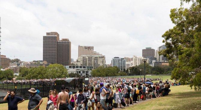 Хиляди на опашка за новогодишната заря в Сидни (видео)
