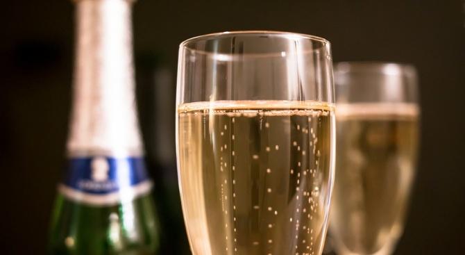 Българската антарктическа експедицияс повече шампанско за Нова година