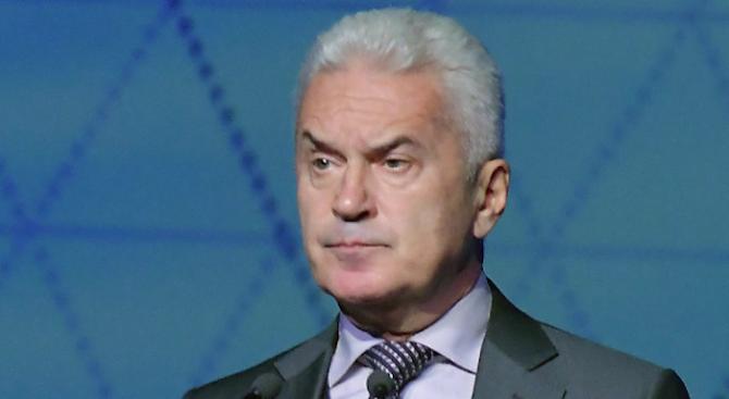 Волен Сидеров: България плаща най-скъпо за самолетите F-16, а дава на САЩ безплатно военни бази