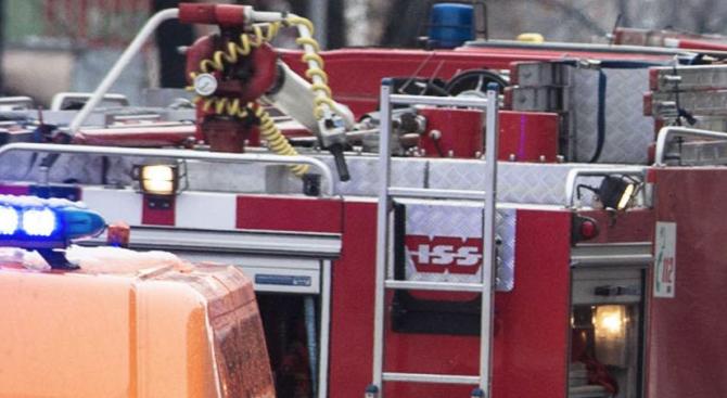 Двама пострадали при пожар в апартамент в Хасково
