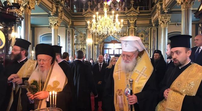 """Желязната църква """"Св. Стефан"""" възкръсна за нов живот (обновена+снимки+видео)"""