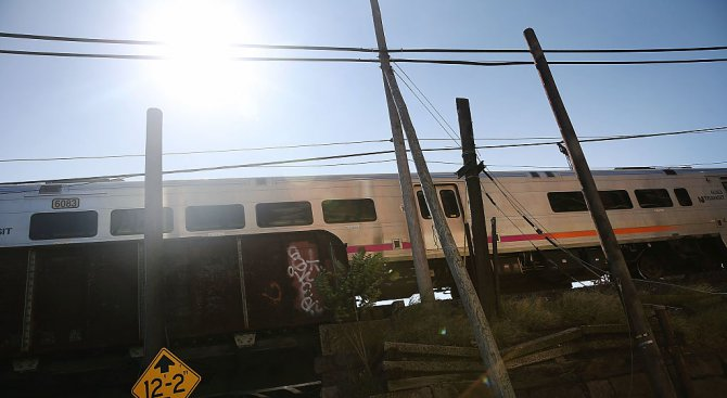 Жертвите на влаковата катастрофа в Южна Африка станаха 14