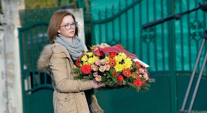 """Във Франция почетоха паметта на жертвите при атаката срещу """"Шарли Ебдо"""""""