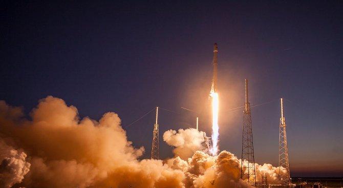 """""""Спейс Екс"""" изстреля космически апарат в секретна мисия на американското правителство"""