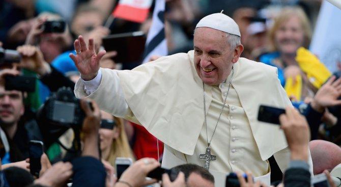 Няколко църкви в Чили бяха нападнати преди пристигането на папата