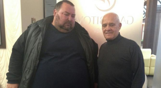 Световен рекорд: Българин свали 103 кг с ядене и без увисване на кожата